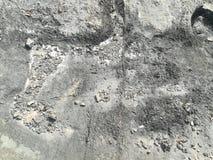 Rots en zand op strandachtergrond Stock Fotografie
