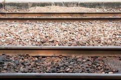 Rots op de spoorweg stock foto's