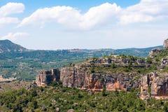 Rotsachtig landschap in Siurana DE Prades, Tarragona, Catalunya, Spanje Exemplaarruimte voor tekst Stock Afbeelding