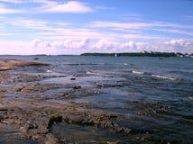 Rotsachtig strand Royalty-vrije Stock Afbeeldingen