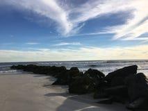 Rotsachtig Strand Stock Afbeelding