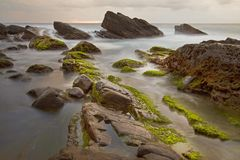 Rotsachtig strand, de kust van Taiwan Stock Foto's