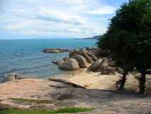 Rotsachtig strand, Ko Samui Royalty-vrije Stock Afbeelding