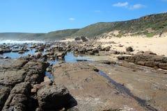Rotsachtig Strand in Mozes Rock zuidwestelijk Australië Stock Fotografie