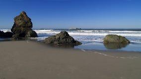 Rotsachtig Strand in Trinidad Royalty-vrije Stock Afbeeldingen