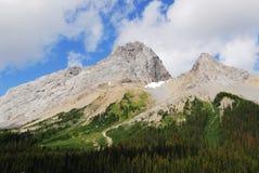 Rotsachtige bergen Stock Afbeeldingen