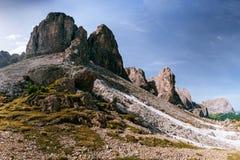 Rotsachtige Bergen bij zonsondergang DE ALPEN VAN HET DOLOMIET, ITALIË Royalty-vrije Stock Fotografie