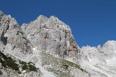Rotsachtige bergen van Jezerce, Noord-Albanië Stock Afbeelding