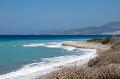 Rotsachtige Egeïsche kust Royalty-vrije Stock Afbeeldingen