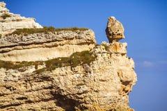 Rotsachtige klippen, de kust van de Zwarte Zee Royalty-vrije Stock Afbeeldingen