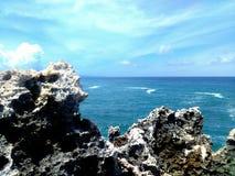 Rotsachtige kust stock foto's