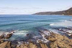 Rotsachtige kust en oorspronkelijke stranden van Australi? royalty-vrije stock foto