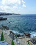 Rotsachtige kust in Montenegro royalty-vrije stock afbeeldingen