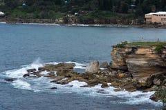 Rotsachtige kusten van Coogee-Strand, Sydney Australia Stock Foto