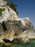 Rotsachtige kustlijn Royalty-vrije Stock Foto