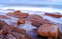 Rotsachtige kustlijn Stock Fotografie