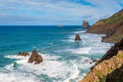 Rotsachtige kustlijn van Tenerife stock foto's