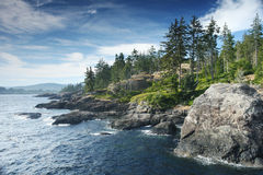 Rotsachtige oceaankust in Canada royalty-vrije stock afbeeldingen