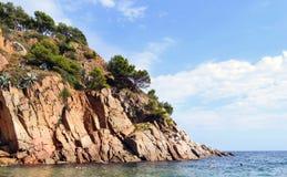 Rotsachtige overzeese kust Royalty-vrije Stock Afbeelding