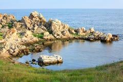 Rotsachtige overzeese lagune Stock Afbeeldingen