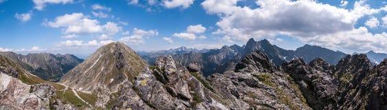 Rotsachtige pieken in de Tatra-Bergen Stock Afbeelding