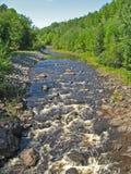 Rotsachtige rivier Royalty-vrije Stock Fotografie