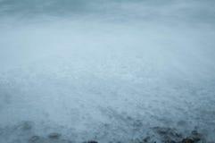 Rotsachtige strandkust Stock Foto's