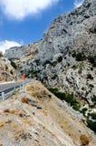 Rotsachtige weg in Griekenland Stock Afbeeldingen
