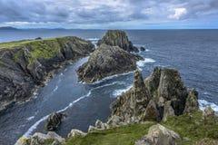 Rotsen bij het Gat van de Hel, Malin Head, Inishowen-Schiereiland, Provincie Donegal, Ierland royalty-vrije stock afbeeldingen