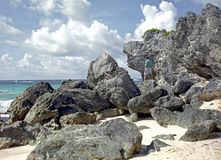 Rotsen bij het Strand van de Bermudas Stock Foto's