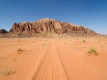 Rotsen bij Woestijn Stock Fotografie