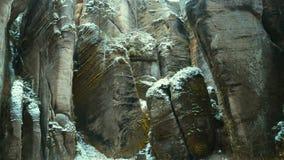 Rotsen in de beroemde rotsachtige stad van rotsen adrspach-Teplice De winter Stock Foto's