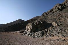 Rotsen in de woestijn Stock Fotografie