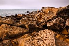 Rotsen en Oceaan royalty-vrije stock fotografie