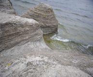 Rotsen en water Stock Afbeelding
