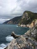 Rotsen in het Italiaans overzees Royalty-vrije Stock Foto's