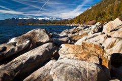 Rotsen in Meer Tahoe Royalty-vrije Stock Foto's