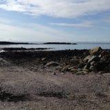 Rotsen, overzees en strand Royalty-vrije Stock Afbeeldingen