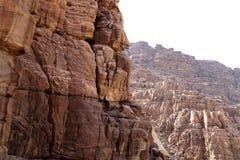 Rotsen Wadi Mujib -- nationaal die park op gebied van Dode overzees, Jordanië wordt gevestigd Royalty-vrije Stock Foto