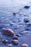 Rotsen in water royalty-vrije stock foto