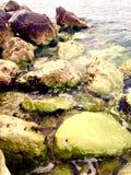 Rotsen in Water Royalty-vrije Stock Fotografie