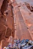 Rotsklimmer in Moab, UT stock afbeeldingen