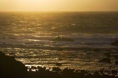 Rotskust in de Azoren; Rocky coast in the Azores