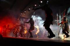 Rotsopera, kostuumspel levend op het stadium Stock Fotografie