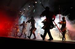 Rotsopera, kostuumspel levend op het stadium Stock Foto's