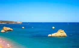 Rotsstrand Praia DA Rocha in Portimao. Algarve. Portugal royalty-vrije stock afbeeldingen