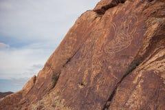 Rotstekeningen op de steen in Tamgaly, Kazachstan Stock Foto's