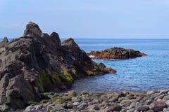 Rotsvorming op de kustlijn van Portugees Eiland Madera royalty-vrije stock fotografie