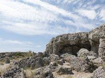 Rotsvormingen dichtbij de stad van Varna, Steenbos Royalty-vrije Stock Foto's