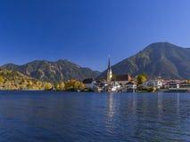 Rottach-Egern στη λίμνη Tegernsee, ανώτερη Βαυαρία Στοκ Φωτογραφία